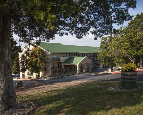 The Retreat of Foxborough by LGI