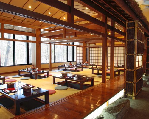 A well furnished an indoor fine dining restaurant.