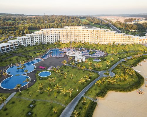 FLC Quy Nhon Beach & Golf Resort