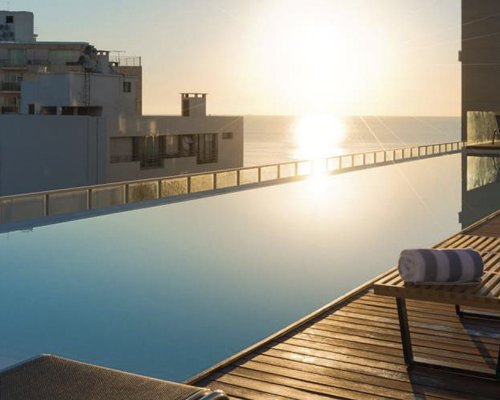 Esplendor by Wyndham Montevideo Punta Carretas - 3 Nights