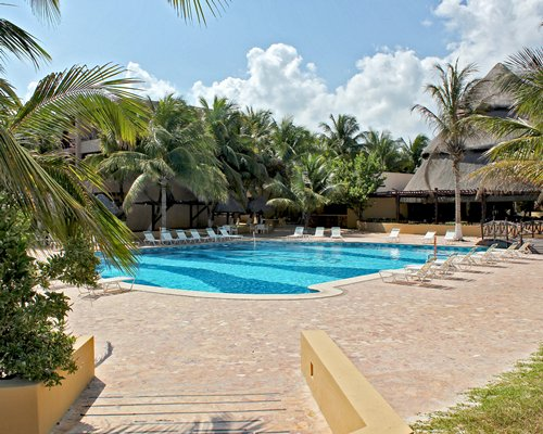 Reef Yucatán Hotel & Convention Center - 4 Nights