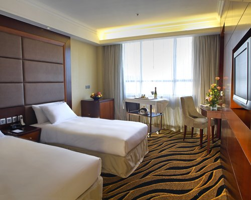 Metropark Hotel Kowloon - 3 Nights