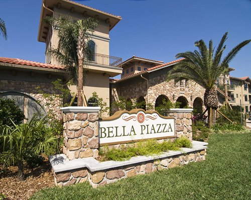 Bella Piazza Condominiums
