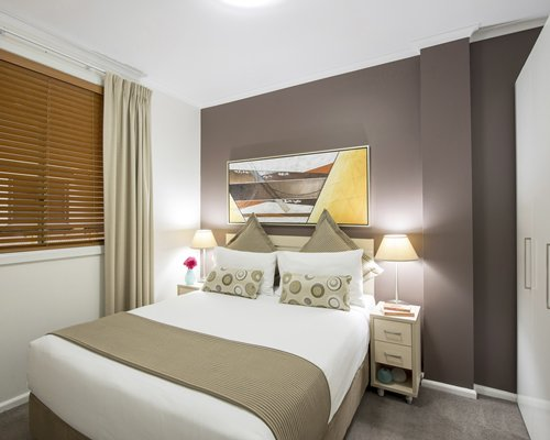 Oaks Goldsborough- 4 Nights