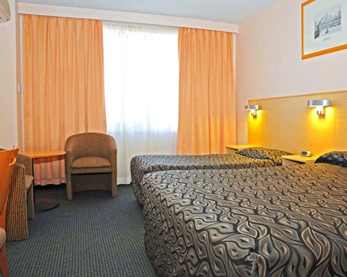 Quality Hobart Midcity Hotel- 4 Nights