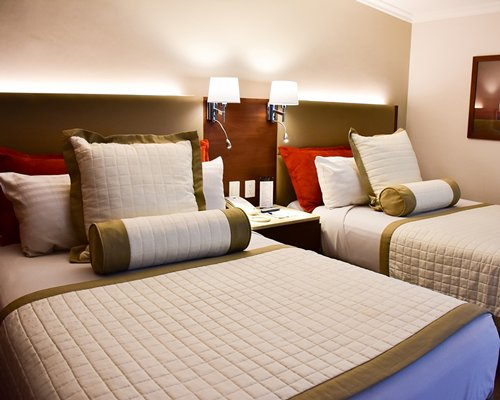 Guadalajara Plaza Express Lopez Mateos - 2 Nights
