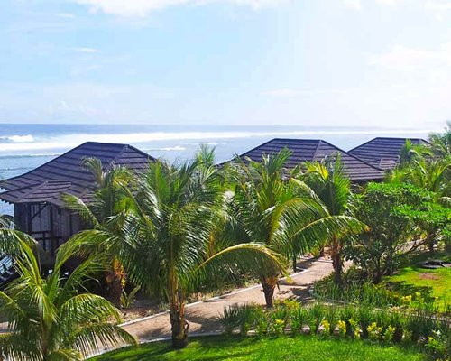 Aga Reef Resort & Sp...