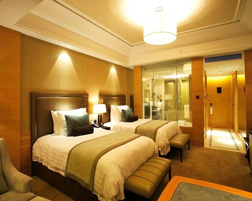 Wyndham Grand Plaza Royale Oriental Shanghai-3 Nights