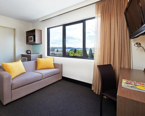 Travelodge Hobart -7 Nights