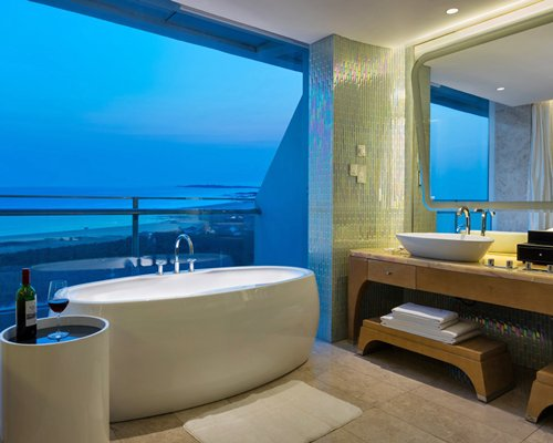 Wyndham Grand Qingdao-4 Nights