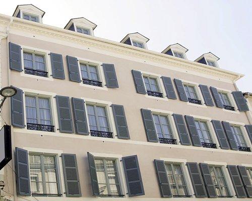 Appart'City Pau Centre*** #RF67 Details : RCI