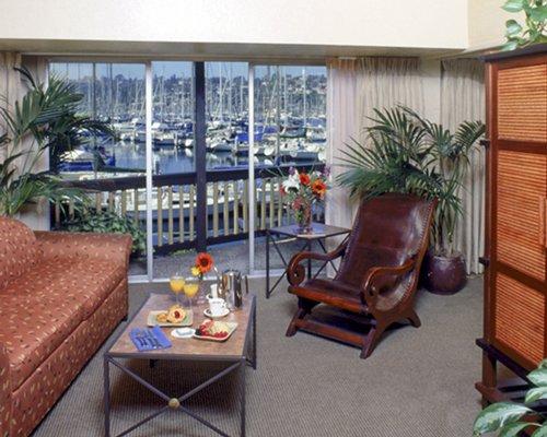 Humphrey's Half Moon Inn & Suites - 5 Nights