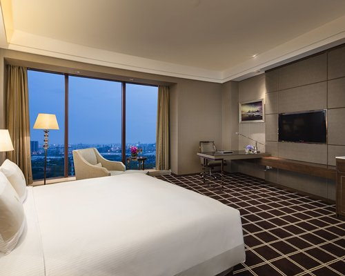 Royal Century Hotel Shanghai - 4 Nights