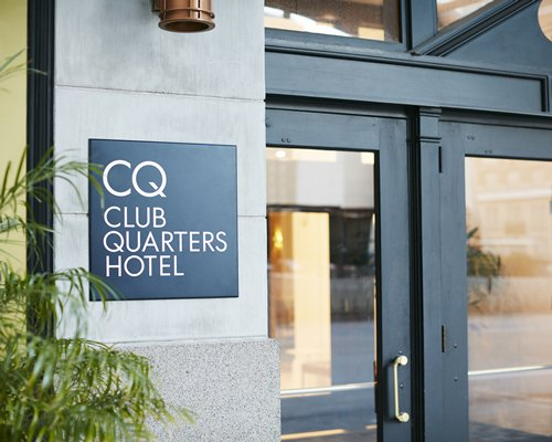 Club Quarters Hotel Houston
