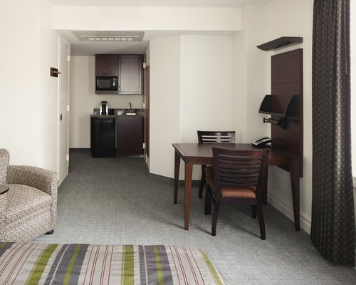 Club Quarters Hotel Houston - 3 Nights