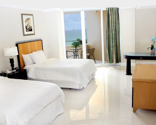 Ocean Manor Resort - 3 Nights