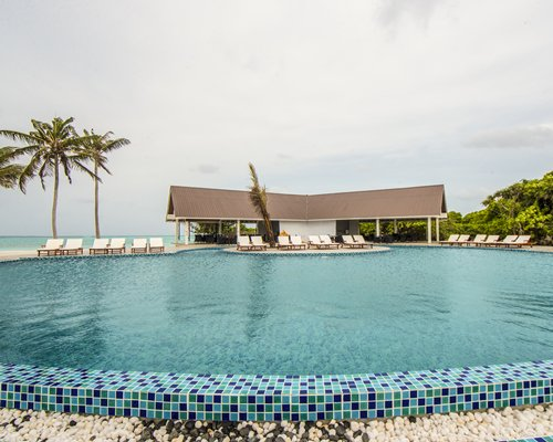 Hondaafushi Island Resort - 4 Nights