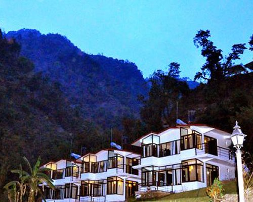Hill Stream Resort - 3 Nights