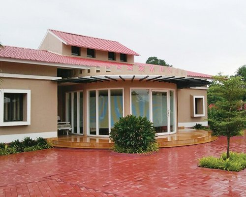 Sterling Kanha - 3 Nights