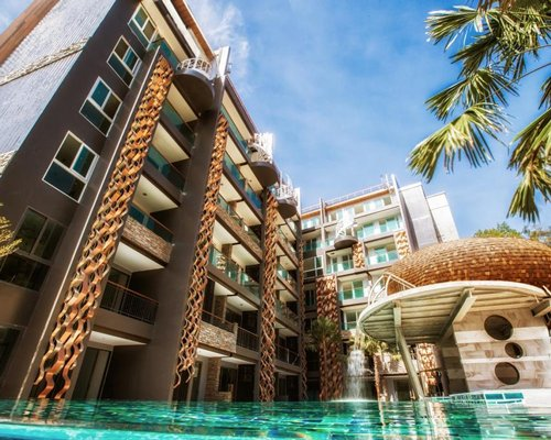 Emerald Terrace Condominium Resort - 3 Nights