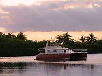Catamaran-in-Lagoon-2