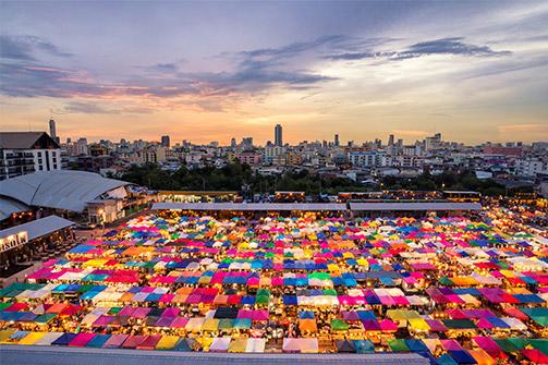 SHOPPING PARADISE IN BANGKOK