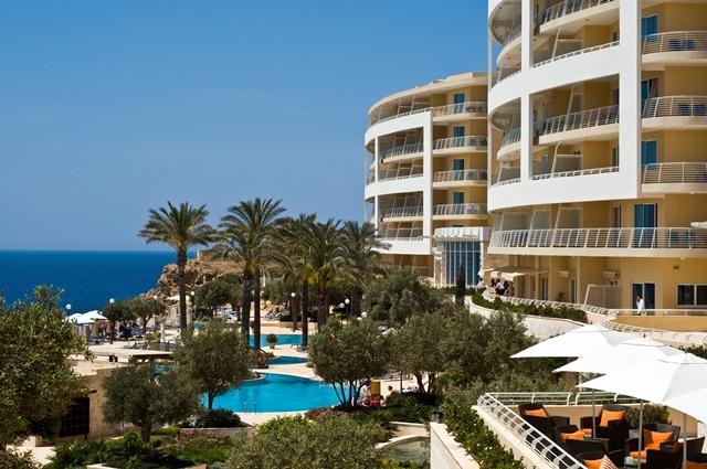 Club-Paradiso-Golden-Sands-Malta